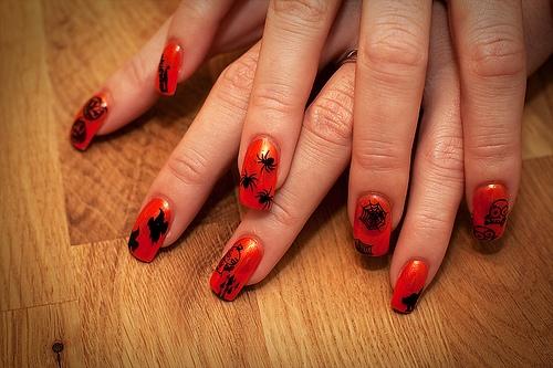 móng tay Halloween, móng tay ma, mẫu móng halloween, tự vẽ móng halloween