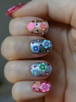 mẫu móng tay đẹp, polka dot nail art, mau mong tay dep, ve mong tay dep, vẽ móng tay đẹp, vẽ móng chấm bí, móng tay bong bóng, dán móng tay