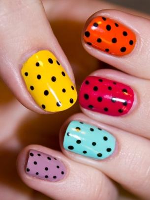 mẫu móng tay chấm bi nhiều màu, mẫu móng tay đẹp, polka dot nail art, mau mong tay dep, ve mong tay dep, vẽ móng tay đẹp, móng tay chấm bi
