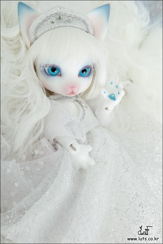 Zuzu Delf VELO - SNOW WITCH Limited