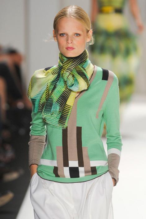 Carolina-Herrera-spring-2012, Bauhaus Brigade, Fashion, Thời trang, Xu hướng thời trang xuân 2012, thoi trang, xu huong thoi trang mua xuan 2012, thời trang đẹp, thoi trang dep