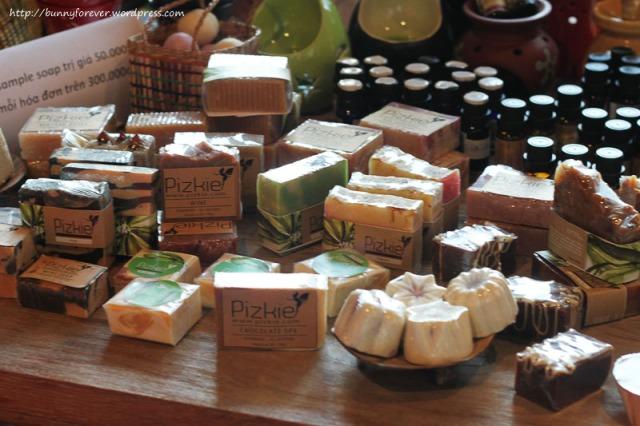 Saigon Flea Market, soap, xà bông, xa bong