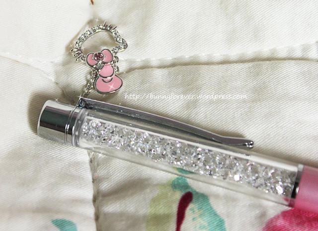 bút bi, but bi, viết bi, viet bi, pha lê swarovski, pha le swarovski, bút hello kitty swarovski màu hồng, but hello kitty swarovski mau hong